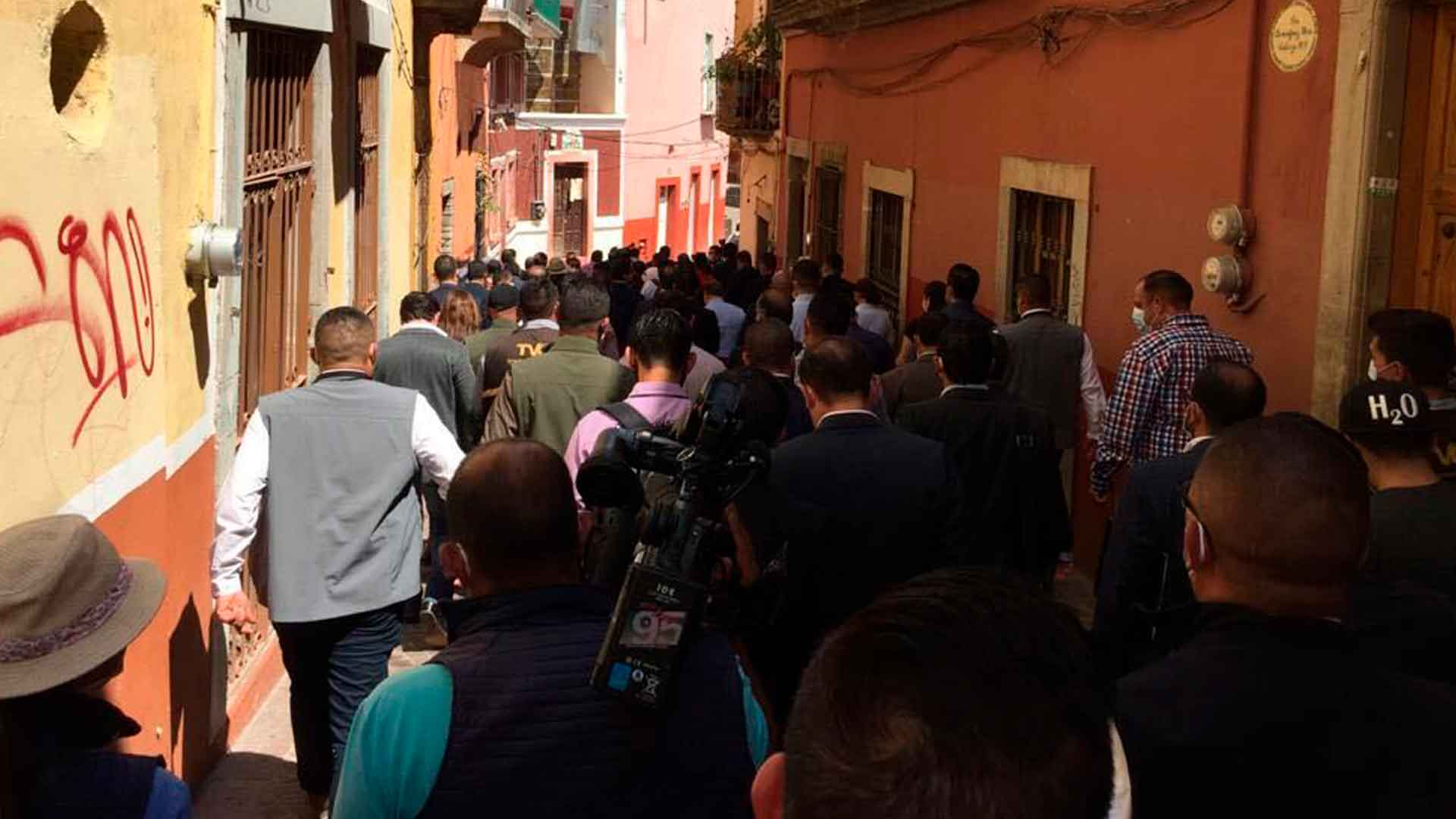 Durante el recorrido de gobernadores por el centro de Guanajuato